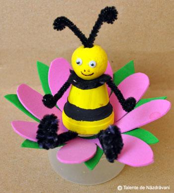 Albina din ghiveci ceramic miniatural