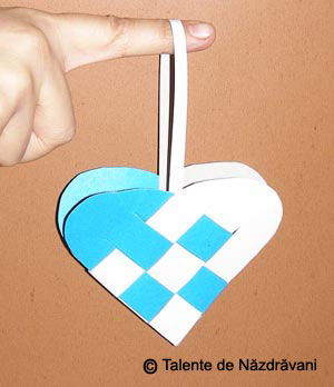 Sablon pentru inimioare, decoratiuni din hartie pentru pomul de Craciun