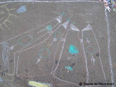 Desene cu creta pe asfalt