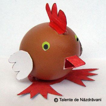 Pui din coaja de ou