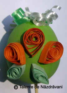 Ou de Paste decorat prin quilling