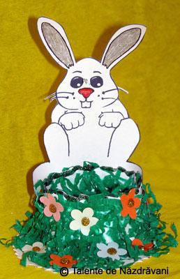 Suport pentru ou  cu iepuras. Decoratiune de Paste.