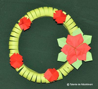 coronita de Craciun din hartie origami