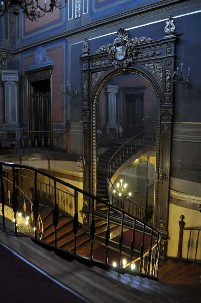 Muzeul Bucureștilor - oglinda din holul de la intrare