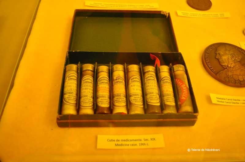 Cutie de medicamente - secolul XIX