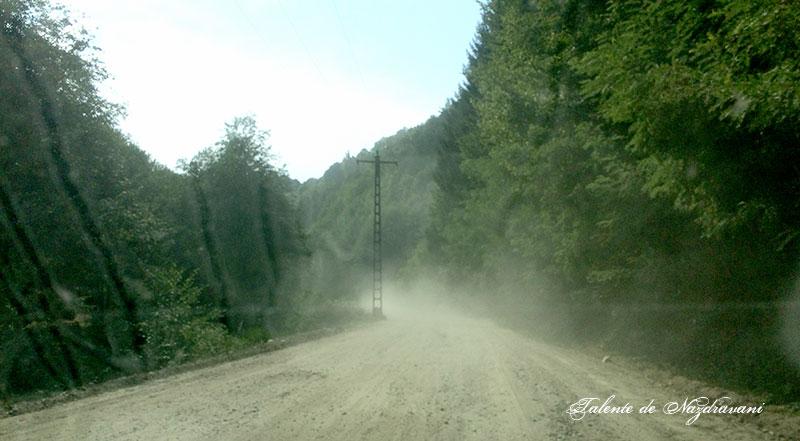 Drum prăfuit și prost spre Sarmizegetusa.