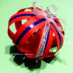 Glob pentru pomul de Crăciun din benzi de hârtie