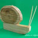 Decorațiuni naturale pentru primăvară și vară - idei creative 122 - melc din lemn