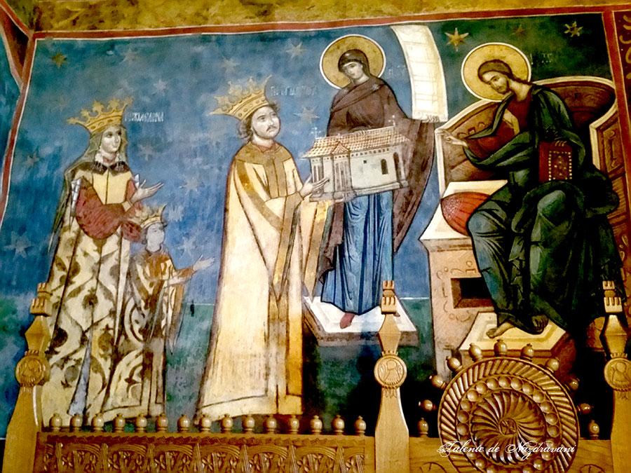Petru Rareș - tabloul votiv de la mănăstirea Humor. Domnitorul este reprezentat împreună cu soția sa Elena și fiul lor Iliaș.