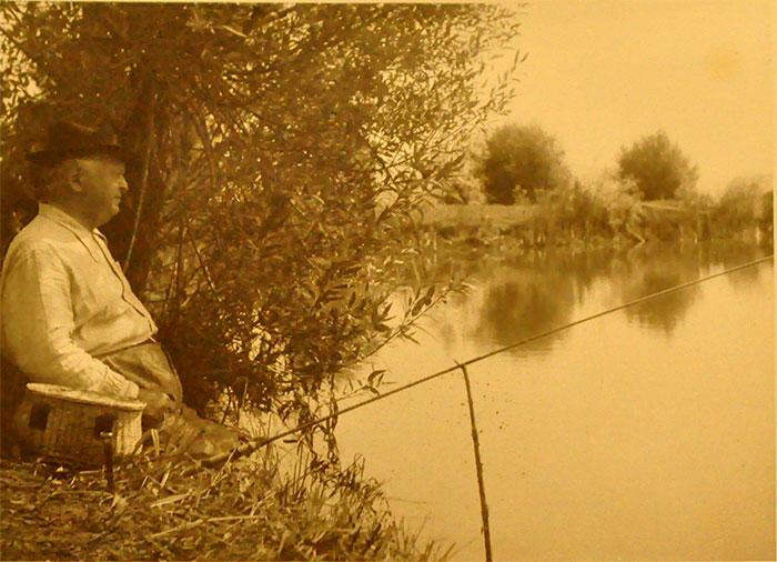 """Sadoveau, la pescuit - iazul de la Vovidenia. """"Nada Florilor"""""""