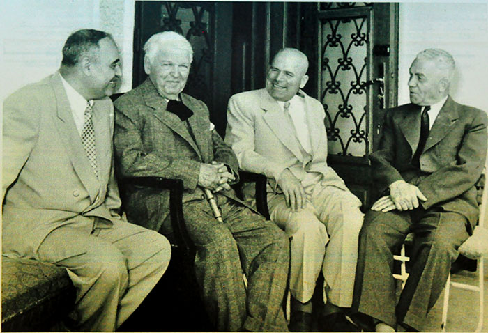 1955, alături de Gheorghe Gheorghiu Dej