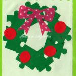 Felicitare cu coroniță de Crăciun din piese de puzzle