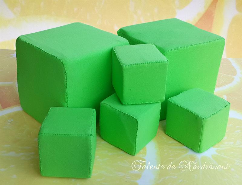 Cuburi didactice din burete