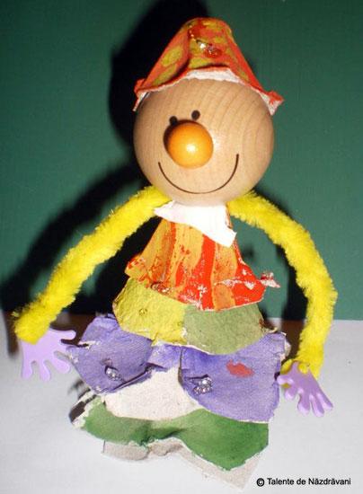 Ornament din carton de oua