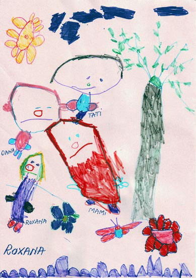 Roxana Elena, Familia mea in curtea de la tara (prunul din curte, flori si un fluturas pe care il alearga fetitele), desen in carioca