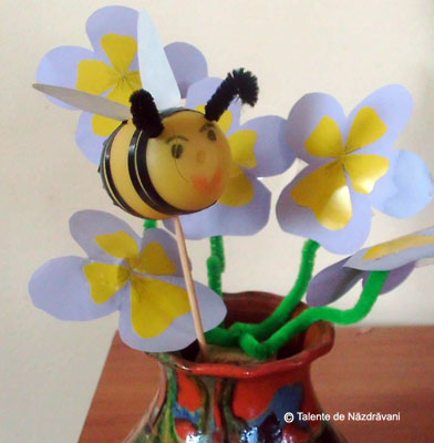 Albinuta - colaj. Bee craft ideas for children