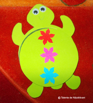 Idei de activitati cu cd-uri. CD craft ideas for children